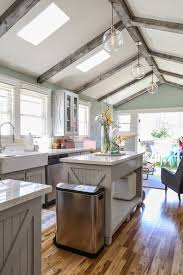 Paint Colors Living Room Vaulted Ceiling by Best 25 Vaulted Ceiling Decor Ideas On Pinterest Kitchen With