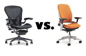 Aeron Chair Size A Vs B by The Herman Miller Aeron Vs The Steelcase Leap Chair Ethosource