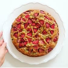 fruchtiges erdbeer rhabarber kuchen rezept vegan