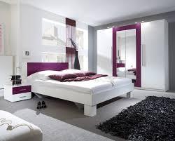schlafzimmer komplett 4 teilig mit kleiderschrank weiß lila kleiderschrank nachttisch