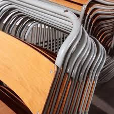 stapelbare esszimmerstühle mit grauem metallgestell remploy 1950er 24er set
