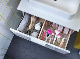 rendszerezz és maximalizáld a teret egy közös fürdőszobában