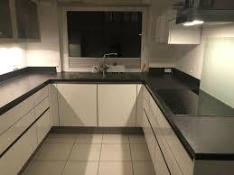 einbauküche küche grifflos weiß altweiß hochgl u form mit geräten