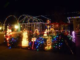 Clovis Christmas Tree Lane by Best Christmas Lights And Holiday Displays In Yuba City Sutter County