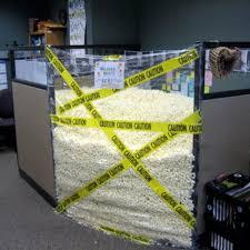 blague faire au bureau blagues au bureau le jour ou jamais l express