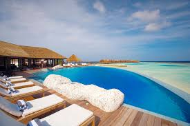 100 Resorts With Infinity Pools Best Four In The Maldives