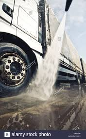 Truck Washing Stock Photos & Truck Washing Stock Images - Alamy Truck Wash With Biosecurity Rinse For Hog Haulers Other Vehicles Lloyd Customs Dyno Day Bikini 2016 Youtube Transportation Case Studies Nerta Washing Stock Photos Images Alamy Acid Happy Kampers 104 Magazine Rv Detailing Salt Lake City Utah Gallery Mobile Wingers Restaurant Alehouse Murray Roadhouse Grill And Bar Semi Gas Station