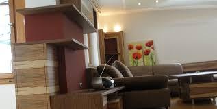 modernes wohnzimmer aus amerikanischem nuss holz