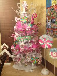 Whoville Christmas Tree by 131 Best Christmas Tree Images On Pinterest Beautiful Bridal