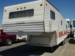 1980 Cal Camp Deville 30 5th Wheel Recreational Vehicle RV