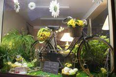 vitrine fete des meres fleuriste vitrine 1er mai 2011 des fleurs à la maison kevad ja