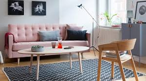 möbel und dekoration in den trendfarben rosa und kupfer