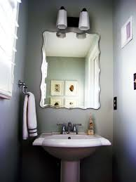 Half Bathroom Ideas For Small Spaces by Small But Comfortable Half Bathroom Ideas