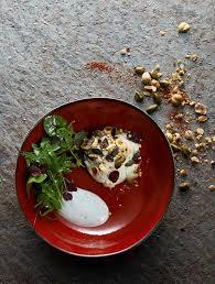 recette avec un siphon de cuisine crème de agur au siphon cranberries graines et mesclun d
