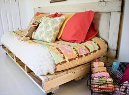 16 Pallet Daybed Hot and New Trend