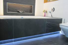 moderne badezimmerbeleuchtung mit schlüter liprotec