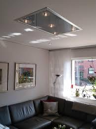 graue wohnzimmerdecke plameco mit hellen spots