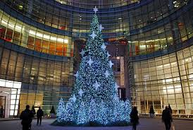 Christmas Tree Of The BLOOMBERG TOWER Located At 731 Lexington Avenue One Beacon Court Right Across From Bloomingdales Stands 40 Feet And Is