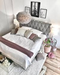 romantisch eingerichtetes schlafzimmer mit luxus
