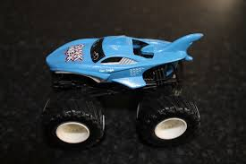 HOT WHEELS MONSTER Jam - Shark Wreak - £5.50 | PicClick UK Ultimate Hot Wheels Shark Wreak Monster Truck Closer Look Year 2017 Jam 124 Scale Die Cast Bgh42 Offroad Demolition Doubles Crushstation For The Anderson Family Monster Trucks Are A Business Nbc News Dsturbed Other Trucks Wiki Fandom Powered By Wikia Hot Wheels Monster 550 Pclick Uk 2011 Series Blue Thunder Body 1 24 Ebay Find More Boys For Sale At Up To 90 Off Megalodon Fisherprice Nickelodeon Blaze Machines