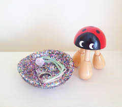 DIY How To Make A Glittery Jewellery Bowl With Air Dry Clay