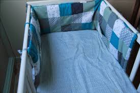 comment mettre un tour de lit bebe laisse luciefer tuto tour de lit patchwork