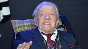 Hit The Floor Cast Death by Kenny Baker Dead R2 D2 Actor Almost Turned Down U0027star Wars