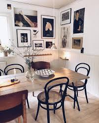 tisch stühle boho esszimmer dekor mit wandgalerie küche