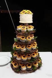 Wedding Cake With Cupcake Stand 25 Amazing Rustic Cupcakes Stands