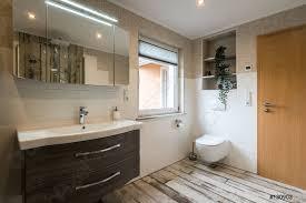 foto auf lager modernes badezimmer im vintage stil mit toilette horizontalaufnahme