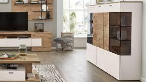 interliving wohnzimmer serie 2104 highboard weiße lackoberflächen balkeneiche drei türen
