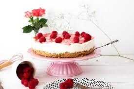 no bake cheesecake mit himbeeren und frischkäse creme