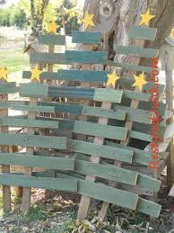 Scrap Wood Christmas Trees From Recycled Junk Wouldnt It Be Fun To Put