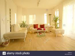 wohnzimmer einrichtung modern hell innen innenaufnahme