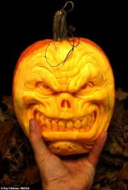 Pumpkin Masters Carving Kit Uk by Artist Ray Villafane Carves Pumpkin Portraits In Just Two Hours