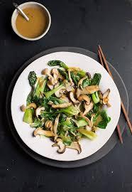 cuisiner le chou chinois cuit recette de bok choy chignons et sauce miso