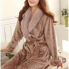 robe de chambre en robe de chambre en fourrure marron pour femme lepeignoir fr