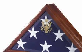 Flag Case Heirloom Walnut Finish The Choice Of Presidents And Generals With Embossed Great Seal United States On Elegant Beveled Glass