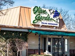 Olive Garden is adding loaded pasta chips to its menu INSIDER