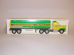 100 Toy Truck And Trailer 1996 TOY TRUCK COLLECTOR 18WHEEL TANKER TRUCK 2nd IN SERIES 132
