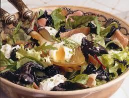 cuisiner trompette de la mort recette de salade aux chignons