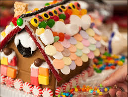 How To Host A Gingerbread House Party Decorating