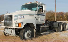 1992 Mack CH613 Semi Truck | Item H8375 | SOLD! January 21 T...