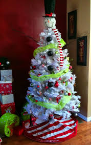 Frosty The Snowman Christmas Tree Theme by 23 Best Snowman Tree Images On Pinterest Snowman Tree Snowman