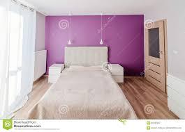 modernes schlafzimmer in der wohnung stockbild bild