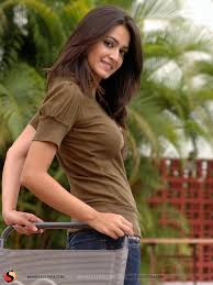 kriti kharbanda wallpapers Google Search