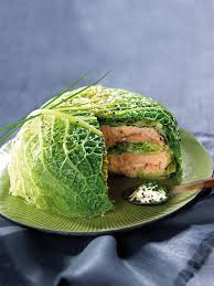cuisiner chou millefeuille de chou vert et saumon sauce crème et ciboulette