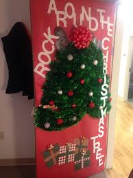 Funny Christmas Office Door Decorating Ideas by Funny Door Decorating Idea This Year Office Door Decorations For