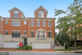 97 Glenbrook Village Bethesda BRIGHT AND STYLISH FOURLEVEL LUXURY TOWNHOUSE Maryland