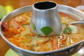 cuisine thailandaise recette recette de soupe thaïlandaise tom yam gung la recette facile